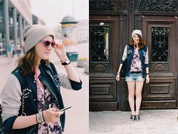 Zuzanna Niedzielska - Marks&Spencer Black Belt, Topshop Jeans Shorts, Diy Cross Shoes, Pull & Bear Grey Beanie, Lilou Lilou:), H&M Feather Earring, H&M Baseball Jacket, Primark Black Quilted Bag, New Look Floral Top - Lomo Trip