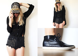 Anne Britt - River Island Punk Cap, Esprit Black Sneakers, H&M Customized Diy Shorts, Zara Spiked Blazer - I try to put my arms around you.
