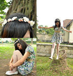 Monita Sitanggang - Floral Crown, Charles And Keith White Flats, Floral Dress, White Tights - Fairytale