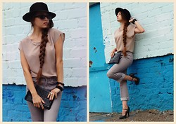 Anastasya O - Carnaby Shoes, Presious Vintage Hat, Handmade Leather Jewellery, Vintage Eyewear, My Design Top Silk Top, Levi's® Cool Jeans - In hat