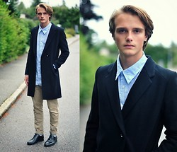 Theo Ortengren - Brothers Coat, Springfield Shirt, Bläck Chinos, Din Sko Shoes - The Times They Are a-Changin'