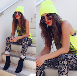 Bebe Zeva - Aram Abrams Neon Moss Sandwich Tank, Wanted Black Stallion Bootie, Romwe Snakeskin Pants, The Cobrashop Gold Rimmed Glasses - NEON SNAKE EYES