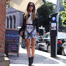 Anouska Proetta Brandon - Motel Rocks Faux Leather Jacket, Storets Shirt, Motel Rocks Skirt, Office Shoes - Handels.
