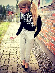 Sara Arminen - Vila Trousers, Vila Shirt, H&M Flats - TURN UP THE LOVE