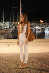 Emma Sngn - Zara Cardi, Yves Saint Laurent Leather Bag, Petit Bateau Top, H&M White Jeans, Massimo Dutti Loafers - Riviera