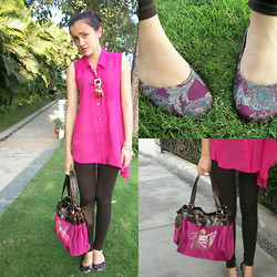 Desy Frankissy robertson - Hardware Neon Pink Blouse, The Little Things She Needs Batik Flats, Levi's® Brown Levis - Just lovin the neon colour .