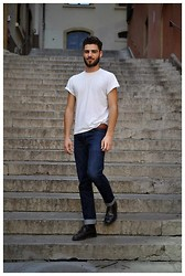 Robin Gervais - H&M White T Shirt, Memento Clothing Blue Jeans - Hello, I'm Back