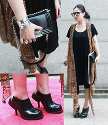 CJ Y - Chanel Bag, Hermës Bracelet, Acne Studios Shoes, Prism Sunglasses, Sweet Scandal Ring - Nothing serious