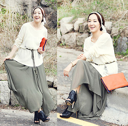 Becky Baek - Ribbon Chain Hair Band, Vintage Knit, Firll Maxi Skirt&One Piece, Two Tone Tote Bag, Black Fringe Heel - Happy fall