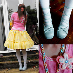 Jenny Cakes - Carboot Fair 20p White Hair Bow, Charity Shop 50p Vintage Preppy Top, Yellow Floral Skirt, Michael White Knee High Socks, Bodyline Sax Blue Ballet Heels, Handmade 80s Chain Necklace & Flower Pin - I put some new shoes on and suddenly everything's right