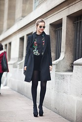 Mia Marionette - Zara Flower Blouse, Filippa K Wool Coat, Ray Ban Vintage Raybans - Flowers for fall // miamarionette