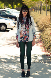 Danielle Payton - Floral Shirt, Secondhand Chambray, Urban Outfitters Waxed Jeans, Vintage Shoes - Never enough florals.