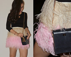 Melissa Jo - Glitters For Dinner Exclusive, Vintage Bag, Uniqlo Black Basic Top - Feather Skirt <3