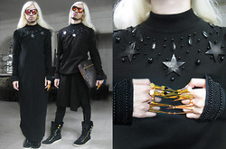 Andre Judd - Diy By H. Custodio Floor Length Sweater With Stars And Beads, Collection Of Gold Claw Rings, Croc Skin Clutch, Patent And Suede Hiking Boot Hybrid, Guy Laroche Vintage Earrings - BLACK STAR