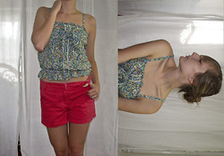 Kay H - Coral Shorts - Last Summery Outfit for the Season
