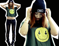 Masha Sedgwick - Shirt, Pants, Obey Beanie, Bracelet, Dr. Martens Boots - NEVER LOVE ANYBODY WHO TREATS YOU LIKE YOU'RE ORDINARY