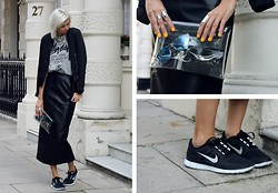 Sietske L - Zara Bomber Jacket, Stüssy Tee, Nelly Chain Necklace, Avelon Leather Skirt, Minusey Transparant Clutch, Nike Free Run - London Fashion Week #2