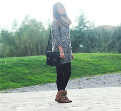 Estelle P - Lf Store Sequin Sweat, Urban Outfitters Little Black Satchel - Let's going on