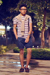 Tristan Flores - New Look Cardigan, Topman Striped Shirt, Topman Tote Bag, H&M Shorts, Sperry Top Sider Boat Shoes - STRIPE HYPE
