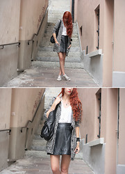 Fiona V. - H&M Doudou, H&M T Shirt, Vintage Leather Skirt, Ash Footwear Sneakers - Zebra
