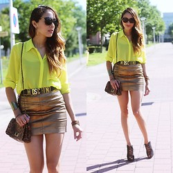 Virgit Canaz - New Look Neon Blouse, Moschino Vintage Belt - Psy - Gangnam style //Preppyfashionist