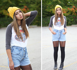 Alicia Raffin - Topshop Star Nylons, Diy High Waisted Shorts, Thrifted Vintage Tee, Mustard Beanie - Keep Warm, Stay Cool!