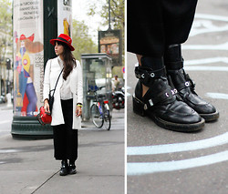 Vanessa Perroud - Bailey Hat, Zara Jacket, Kipling Camera Bag, Trousers, Zara Trousers, Balenciaga Boots - PARIS FASHION WEEK #OUTFIT1