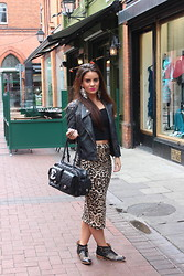 Nicola McLaughlin - River Island Crop Top, River Island Leopard Skirt, Chanel Handbag, Zara Boots, River Island Earrings - Christmas at River Island