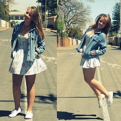 ♡Roneque J - Edgars Floral Dress, Tomy White Tomys, Hc Denim Jacket - Pretending to be cool ☯