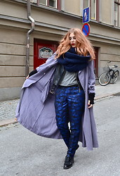 Viola Bergström - Kenzo Coat, H&M Trousers, Modekungen Leather Jacket, Zara Scarf - There's a new kid in town