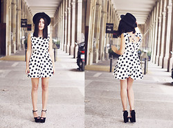 Aida Domenech Aida D - Vintage Hat, Forever 21 Dress, Zara Shoes - Her polka dot dress!