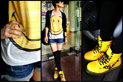 Wolfie Chen - Dr. Martens 8 Eye, Opi Nail Polish (French Quarter For Your Thoughts), Smiley Tee - Muuuuuun Festival :)