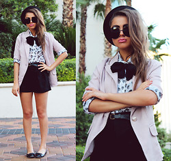Bebe Zeva - Yes Style Blazer, Romwe Shorts, Yes Style Flats, Cobrashop Circle Sunnies - PREP SKULL