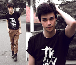 Vini Uehara - Reverbcity The Xx T Shirt - Crystalised