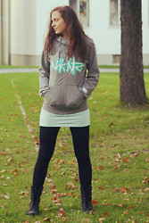 Kate K - Nikita Grey Hoodie, Vero Moda Mint Shirt, H&M Blakc Leggings, Black Boots - Youth