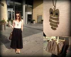 Zuzanna Niedzielska - H&M Sunnies, H&M Powder Top, Vintage Black Maxi Skirt, Louis Vuitton Xxl Bag, Primark Chanel Ballet Flats - Starbucks coffee in the afternoon:)