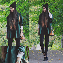 Karin Bylund - H&M Hat, Weekday Suede Jacket, Zara Shirt, Zara Tights, Flea Market Bag, Primark Brogues - BREATH OF THE FOREST.