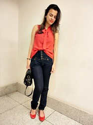 Daiana Brandão - C&A Shoes, Renner Denim, C&A Shirt, Topshop Bag - <3
