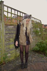 Nicola Boraston - Story Of Lola Rooba Parka, Oasap Spiked Cap, Ebay Space Shirt, Handmade Black Suede & Leather Fringed Bag - Rooba