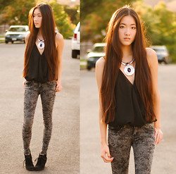 Jennifer Wang - Romwe Silver Pendant Necklace, 2020ave Cloudy Jeggings - HOUSE OF THE RISING SUN