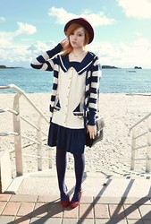 Anna Salo - Vivienne Westwood Necklace, Second Hand Sailor Dress, Cubus Cardigan, Second Hand Shoes - Boats and stripes