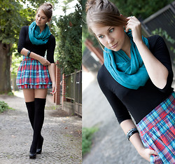 Emma SK - H&M Black Shirt, Hollister Checkered Skirt, C&A Overknee Socks - Skinny love - Birdy