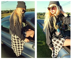 Nicole Alyse - Karen Walker Sunnies, Vintage Harley Sweater, Nasty Gal High To Low Flannel Skirt - The Transition.