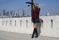 Marie Hindkær Wolthers - H&M Knit, Zara Skirt, Zara Boots - WALK THE SKYLINE