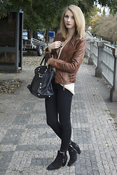 Pavlina J. - Mango Leather Jacket, Zara Beige Sweater, Topshop Skinny Jeans, Topshop Ankle Boots, Balenciaga Bag - Beige and brown