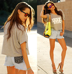Jessica R. - Brashy Couture Just Stay Tee, Lulus Neon Satchel, Spikes And Seams Skull Print Shorts, Zerouv Reflective Sunnies, Sira And Mara Usa Bracelets - Just Stay + Sheinside Giveaway