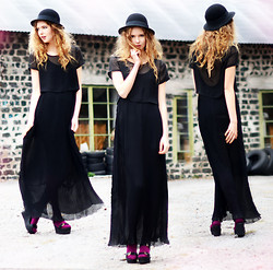Ebba Zingmark - Ebbaz For Sin Dress, Ebbaz For Sin Top, Sandals, H&M Hat - All this & Heaven too