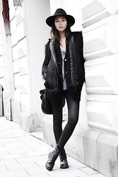 Miu N - Vagabond Boots, Miu Bag, Tiger Od Sweden Hat, Bik Bok Jacket, Wera Sweater, Zara Shirt, Gina Tricot Pants - Fake Fur for Fall