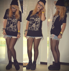 Leslie B. - Rockagogo Black Sabbath Tee, Ebay Suede Creepers, H&M Black Beanie, Bershka Denim & Pink Short - Lonely is the word.