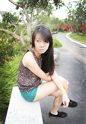 Naomi Tham - Bugis Street Floral Top, Cotton On Teal Shorts - In the gardens